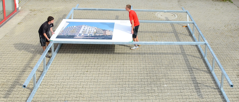 Verschiedene Rohrrahmen-Modelle passend für Bautafeln und Werbeschilder