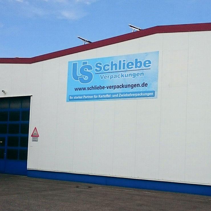 Fassadenschild für Industrie- und Lagerhalle