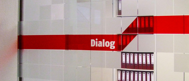 Beschriftung von Glasflächen in Büro- und Geschäftsräumen