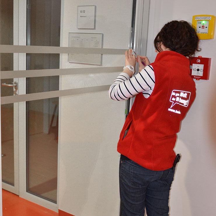 Glasdekormarkierungen für Büros, Behörden und Firmen.