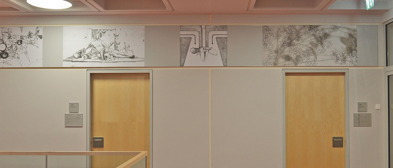 Raumgestaltung mit Bildpanel in einer Schule